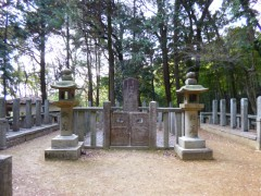 s1十七烈士の墓P1000337