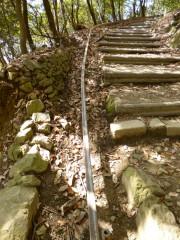 天王山の山道